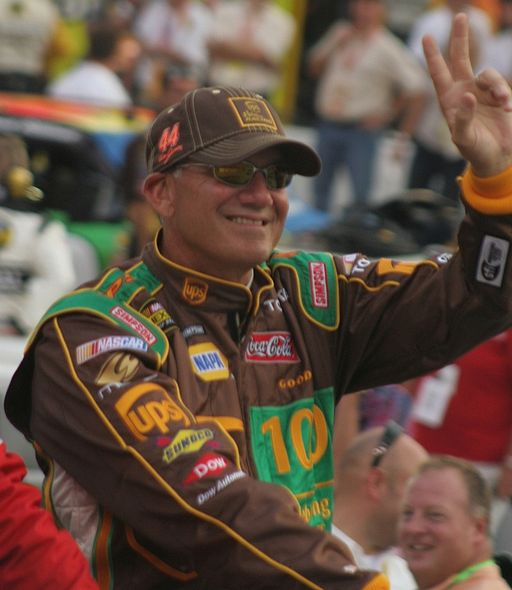 Dale Jarrett to be inducted into the NASCAR Hall of Fame in 2014