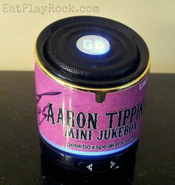 CompuGeeks' Aaron Tippin Geekbox Mini Jukebox | Eat Play Rock