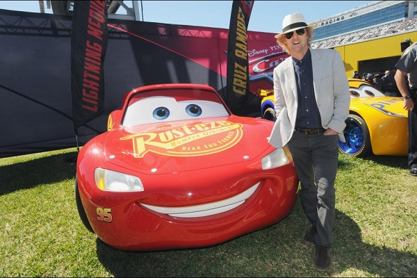 Owen Wilson Serves As Daytona 500 Grand Marshall + Cars 3 Extended Look #Cars3