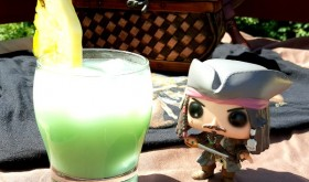 Easy Tropical Pirate Rum Punch Recipe #RumOn #PiratesLifeEvent
