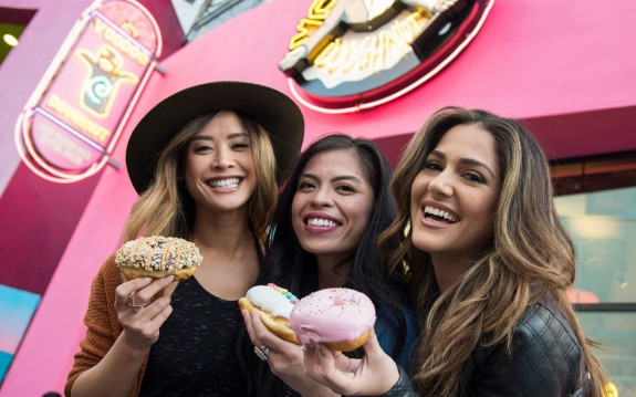 Voodoo Doughnut Coming To Universal Orlando Resort This Spring