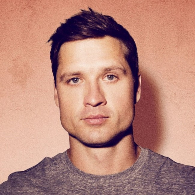 "Walker Hayes Interview: Colt Ford & The Real Inspiration Behind ""You Broke Up With Me"""