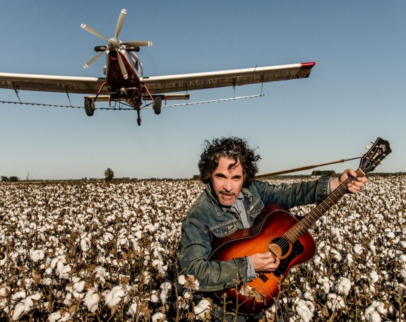 "John Oates Interview: ""Arkansas"" & His Memoir ""Change Of Seasons"""